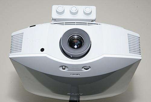 Sony VPL-HW40ES: все дело в цене