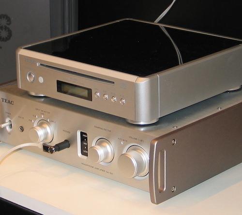 Сверхминиатюрный CD-плеер TEAC PD-H01